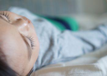 Wie viel Schlaf braucht ein Kind? (Schlafbedarf & Schlafdauer)